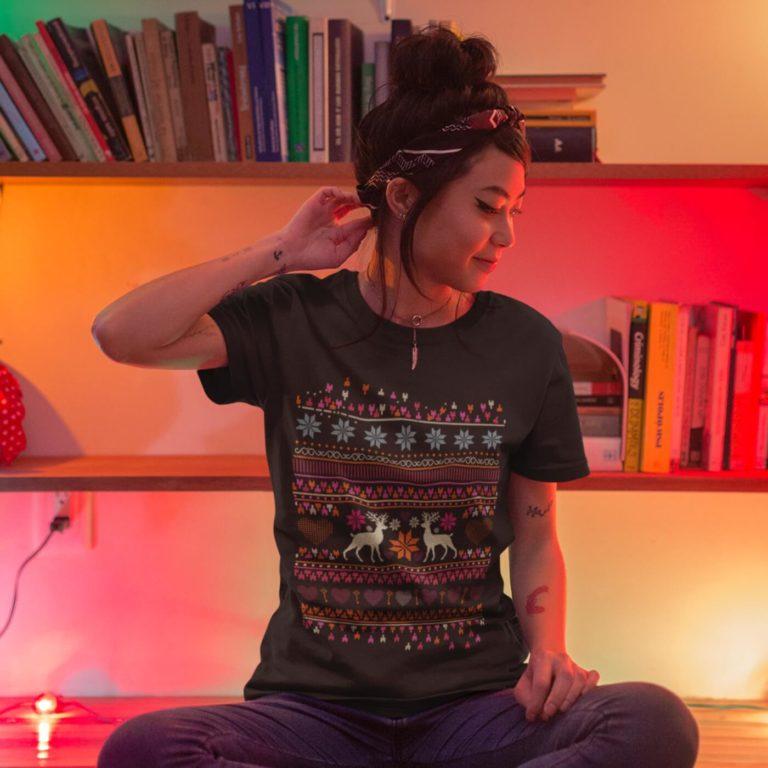 Short sleeve graphic women t shirt for christmas Deer ornaments